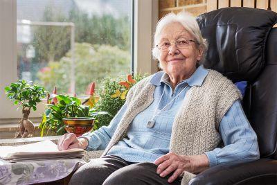 remote health alert pendant independent living
